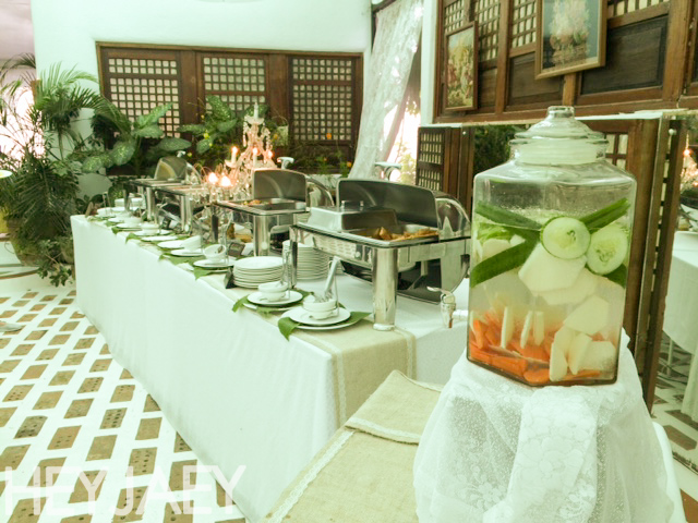 heyjaey sonya's garden buffet set up