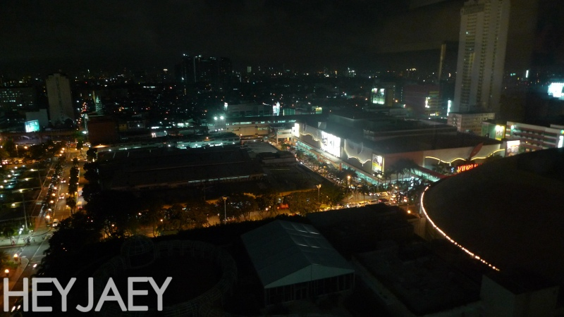 novotel manila araneta center night view
