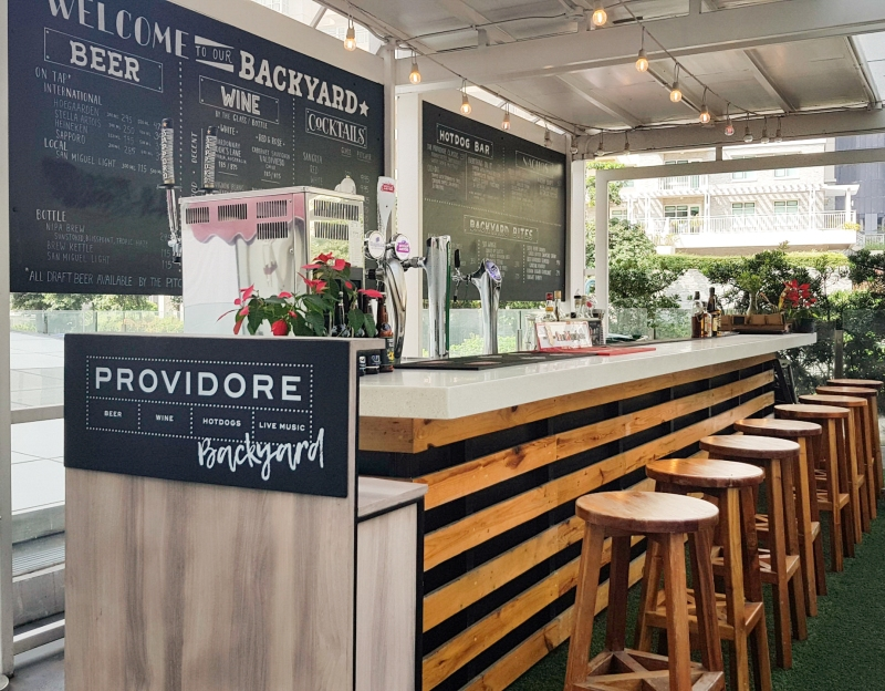 Providore Outdoor Bar SM Aura
